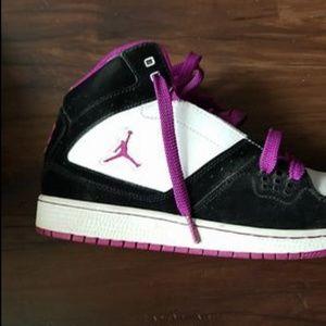 Women's Jordans size 8